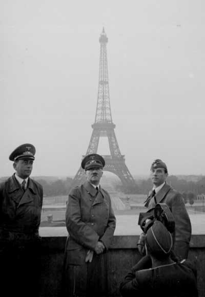 hitler_paris