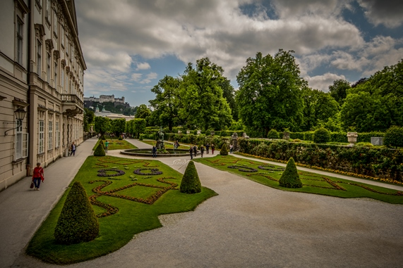 img_9425-lr-1-of-1-mirabell-palace