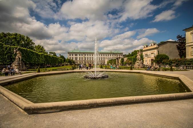 img_9435-lr-1-of-1-mirabell-palace