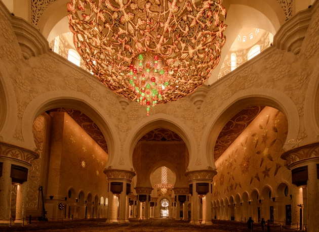 img_0371-lr-1-of-1-interior-of-the-main-prayer-hall-in-sheikh-zayed-mosque