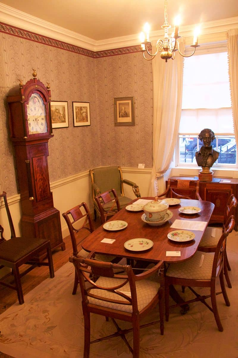 William_Herschel_Museum_-_dining_room